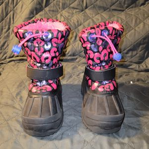 USED Toddlers snow/rain boots size 8 for Sale in Lynwood, CA