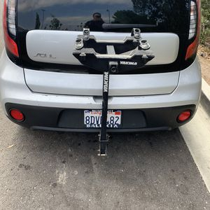 Yakima 2 Bike Each For 1 1/4 Inch Square Trailer Hitch for Sale in San Diego, CA