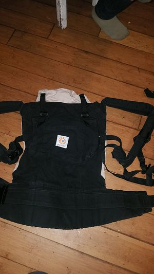 Baby carrier for Sale in Los Angeles, CA