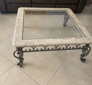 Coffee table / Mesa de centro for Sale in Hialeah, FL
