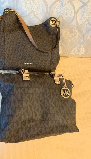 2 michael Kors bag authentic trade for Sale in Dallas, TX