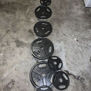 Weight Set Over 300 Pounds! With Bars And Olympic Curl Bar And Two Dumbs Included for Sale in Houston, TX
