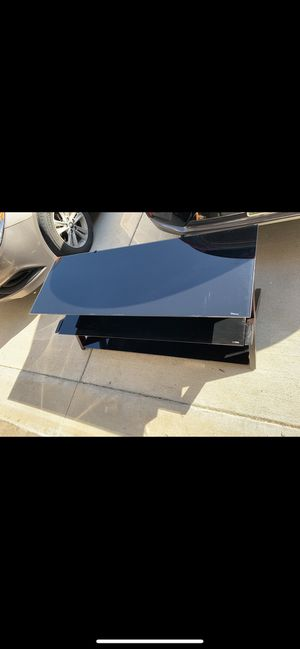 Glass TV Entertainment Stand for Sale in Murfreesboro, TN