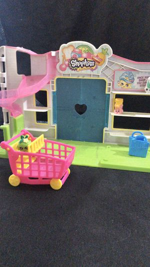 Shopkins first generation shopkins shop, all pieces included, authentic for Sale in Lehigh Acres, FL