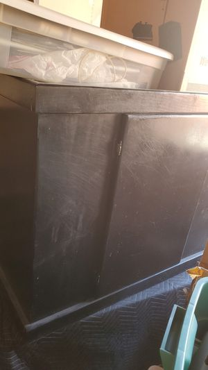 40 gal fish tank cabinet for Sale in HUNTINGTN BCH, CA