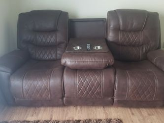 Couch & Love Seat (Recliners) for Sale in Round Rock,  TX