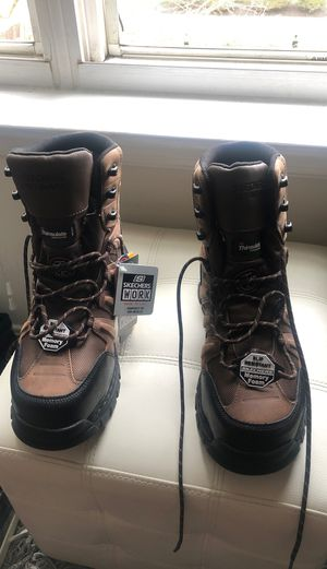Skechers work boots size 9 for Sale in Suitland-Silver Hill, MD