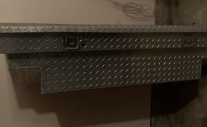 Small truck tool box - great condition for Sale in Dallas, TX