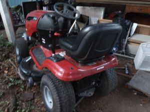 Craftsman riding lawn tractor for Sale in Everett, WA