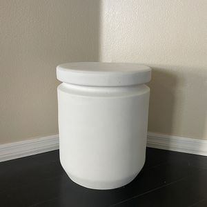 Matte White Plant Stand/ Outdoor Side Table for Sale in Menifee, CA