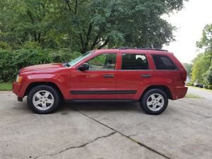2006 Jeep Grand Cherokee Laredo 103,000 Miles LEATHER SO CLEAN!! for Sale in Acworth, GA