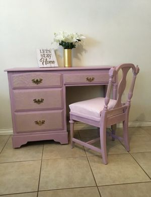 Antique desk or vanity in great condition! for Sale in Bellflower, CA