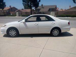 2004 Toyota Camry le for Sale in Riverside, CA