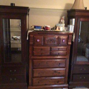 Curio Cabinet for Sale in Rio Rancho, NM