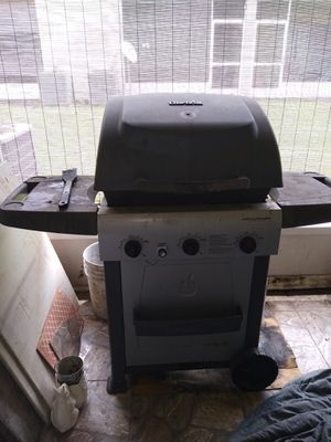 Free Grill for scrap metal for Sale in Gibsonton, FL