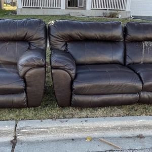 Free Electric Reclining Couches for Sale in Montgomery, IL