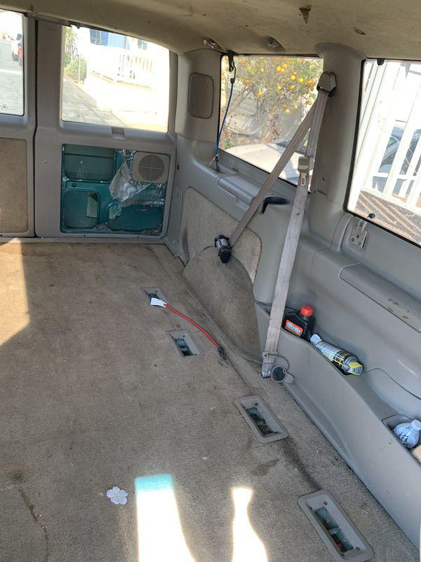 98 Chevrolet Astro Van 92k miles from Canada in 147kilometers Vortek 4.3l v6 RUNS Perfect! Trade OBO