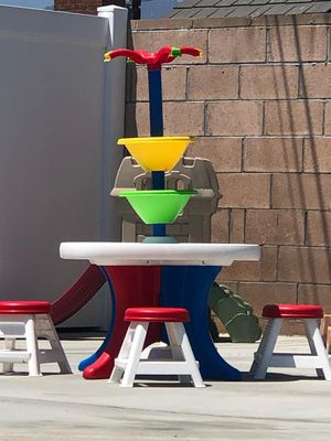 Kids Step2 Activity Table with 4 Stools for Sale in Covina, CA