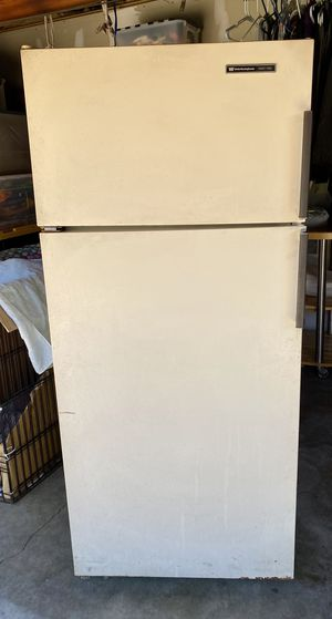 FREE refrigerator fridge White Westinghouse Gratis for Sale in Downey, CA