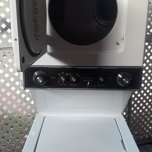 """24""""kenmore stackble Washer And Gas Dryer Works great! for Sale in Paramount, CA"""