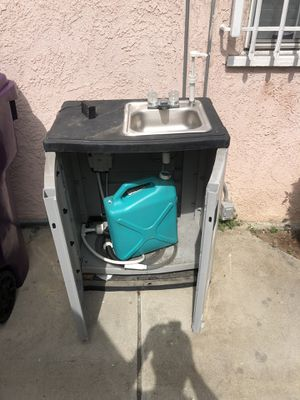 Out door portable sink . for Sale in Long Beach, CA