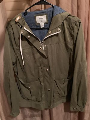 Forever 21 lightweight green parka! for Sale in Shaker Heights, OH