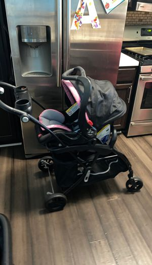 Car Seat, Base and Snap and Go for Sale in Round Lake, IL