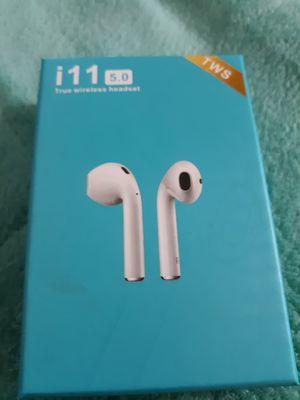 Earphones true wireless headset i11 5.5 for Sale in Hesperia, CA