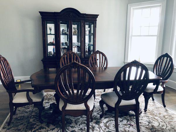 Dinning Room Set.