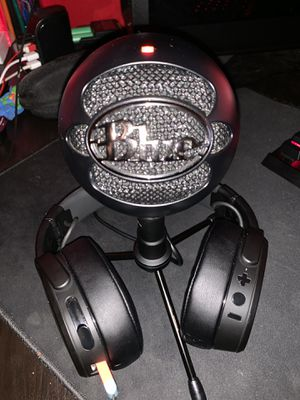 Skull candy Crusher Wireless / Blue Snowball microphone for Sale in Houston, TX