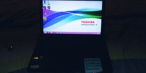 TOSHIBA LAPTOP a little damage to the screen MUST PICK 250gb for Sale in Washington, DC