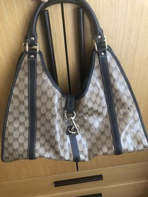 Gucci bag 100% authentic . Pre-owned. for Sale in Brooklyn, NY
