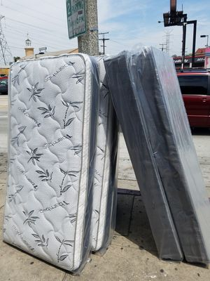 Pillow Top Mattress for Sale in Paramount, CA