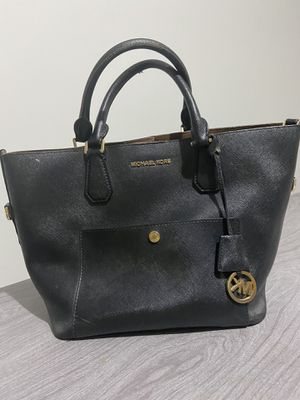Original Michael Kors bag, medium size for Sale in National City, CA