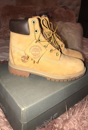 Timberland Boots 4M / 7-7.5 W for Sale in San Diego, CA