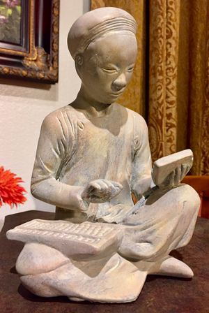 Beautiful vintage sculpture China Man Bookkeeper H9xW6xD5 inch for Sale in Chandler, AZ