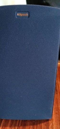 2 Klipsch Bookshelf Speakers for Sale in Woodinville,  WA