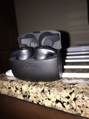jabra elite 65t wireless earbuds for Sale in Memphis, TN