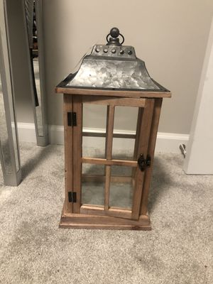 Beautiful wooden Lantern for Sale in Capitol Heights, MD