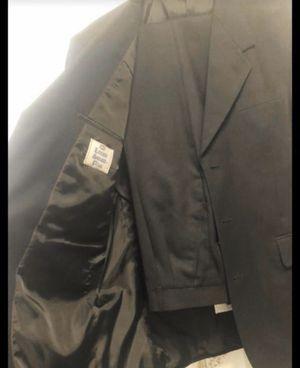 Men's Black Suit @ Large 🥰 for Sale in Fresno, CA