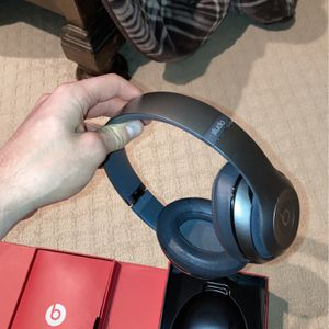 Beats Studio Wireless for Sale in Warrenville, IL