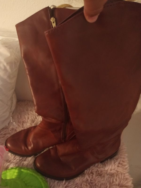 Free brown boots