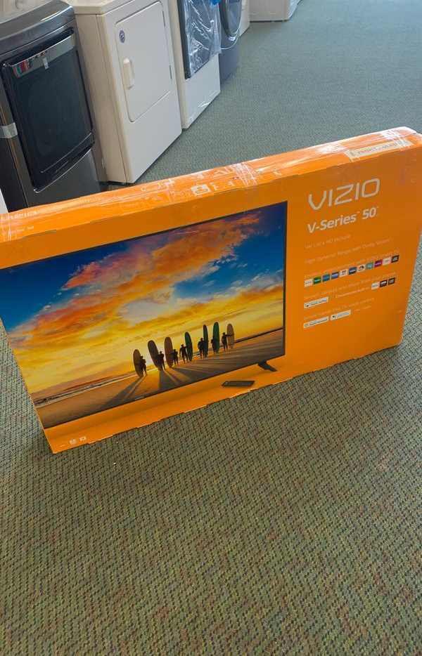 Vizio 4K Smart TV! All new with Warranty! 50 inch TV Television is New ( Open Box) DE