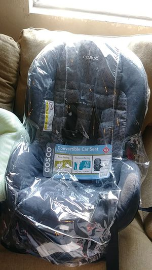 Car seat brand new never used 5pounds to 40 pounds cosco for Sale in Columbus, OH