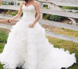 Couture wedding dress for Sale in East Wenatchee, WA