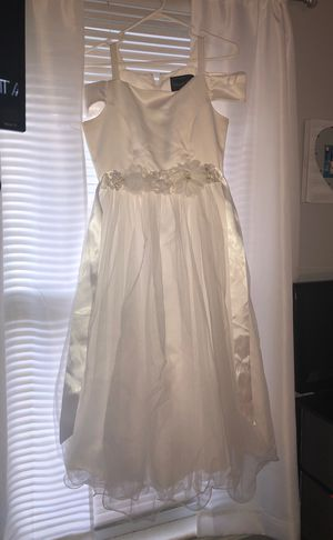 Size 16 girls flower girl/communion white dress. for Sale in Cleveland, OH