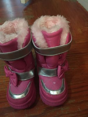 snow boots for girl size 5 for Sale in Richmond, CA