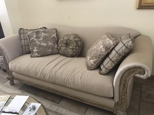 7 pc Complete living room set- French Provincial for Sale in MONARCH BAY, CA