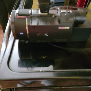 Sony ax53 4k for Sale in Wilmington, DE
