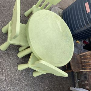 Kids Table And Chairs for Sale in Queens, NY